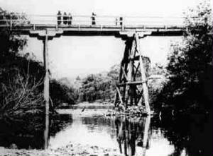 warrandyte1942bridge.jpg